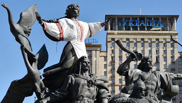 Памятник основателям Киева на площади Независимости. Архивное фото