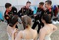 Воспитанники Московского военно-музыкального училища перед торжественной церемонией выпуска офицеров из высших военных учебных заведений Министерства обороны РФ на Соборной площади в Кремле