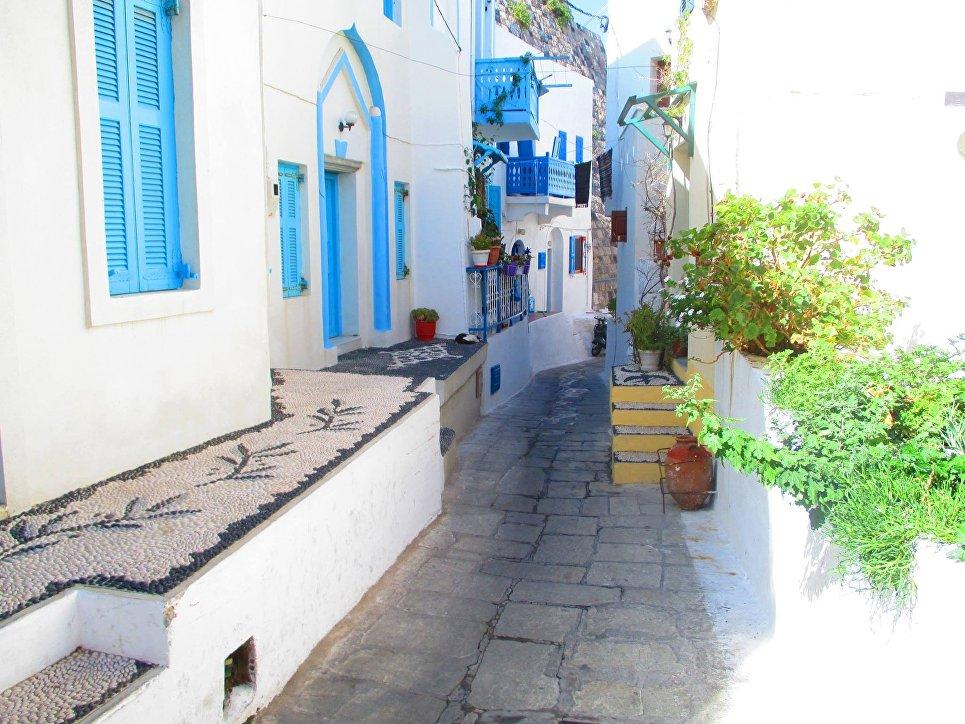 Остров Нисирос, город Мандраки.