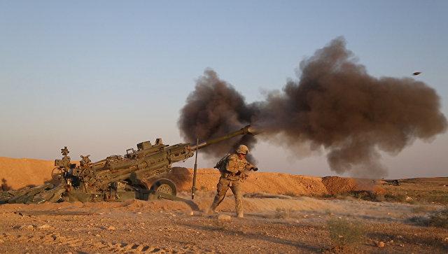 Военнослужащие армии США ведут огонь у сирийско-иракской границы. Архивное фото