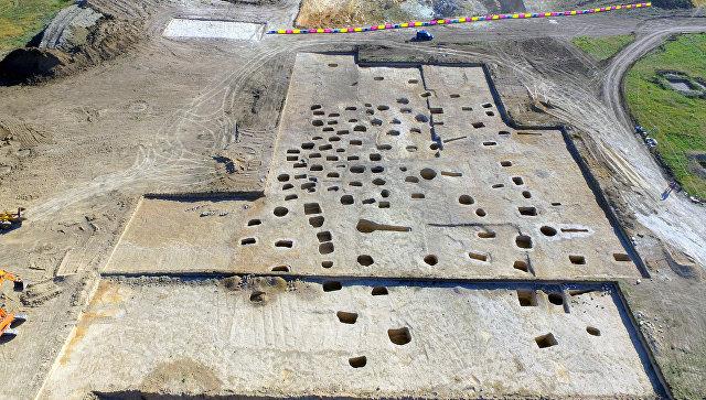 Позднескифский могильник II-IV веков нашей эры, найденный при раскопках на будущей автотрассе Таврида в районе Севастополя. 29 июня 2018