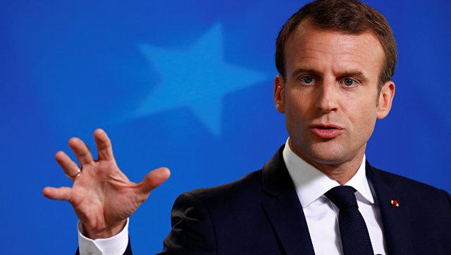 Президент Франции Эммануэль Макрон выступает на пресс-конференции на саммите ЕС в Брюсселе. 29 июня 2018
