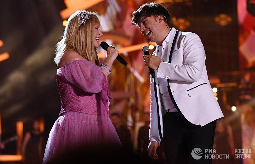 Певица Алла Пугачева и телеведущий Максим Галкин выступают на международном музыкальном фестивале ЖАРА в Баку