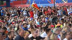 Просмотр матча ЧМ-2018 по футболу между сборными Испании и России. Архивное фото