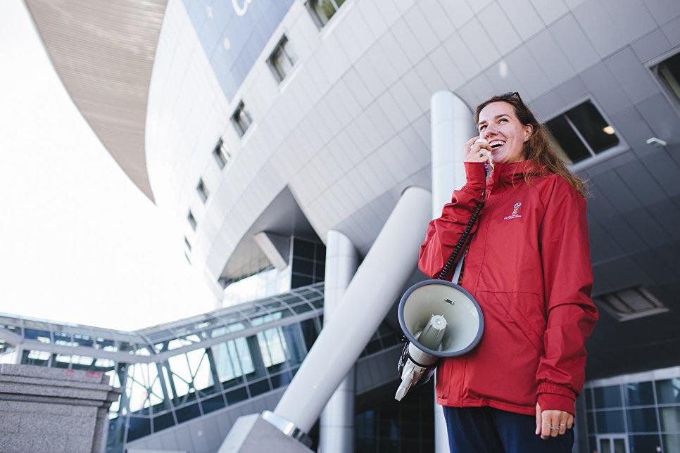 Городские волонтеры оказывали поддержку гостям города на основных транспортных объектах, «последней миле» у стадиона, на фестивале болельщиков ФИФА