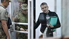 Надежда Савченко на заседании Шевченковского районного суда в Киеве. Архивное фото