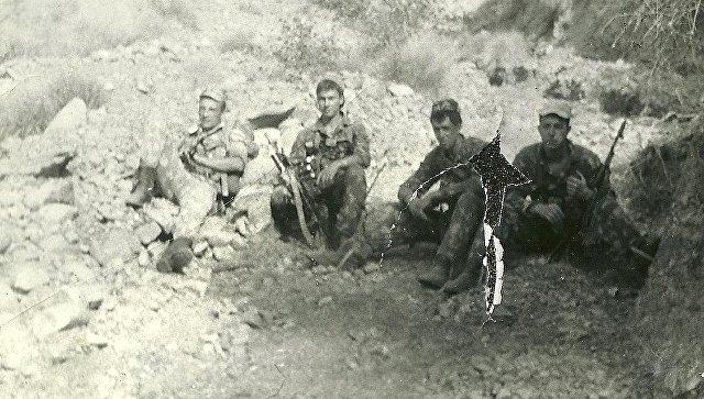 Пограничники на 12-й заставе Московского пограничного отряда Группы Пограничных войск России в Республике Таджикистан.