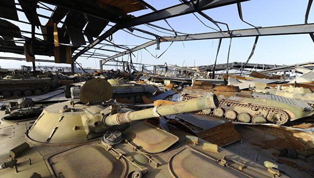 Разрушенная в результате бомбардировок НАТО военная база в Ливии. 1 ноября 2011