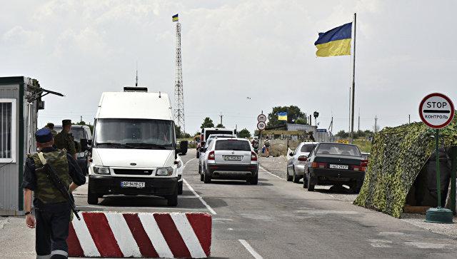 Автомобильный пункт пропуска на российско-украинской границе. Архивное фото