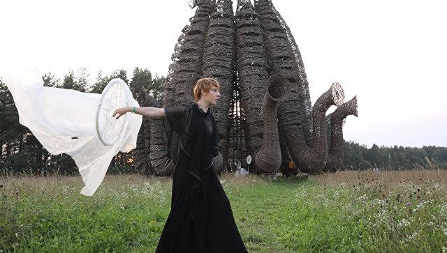 Участница международного фестиваля ландшафтных объектов Архстояние в Калужской области.