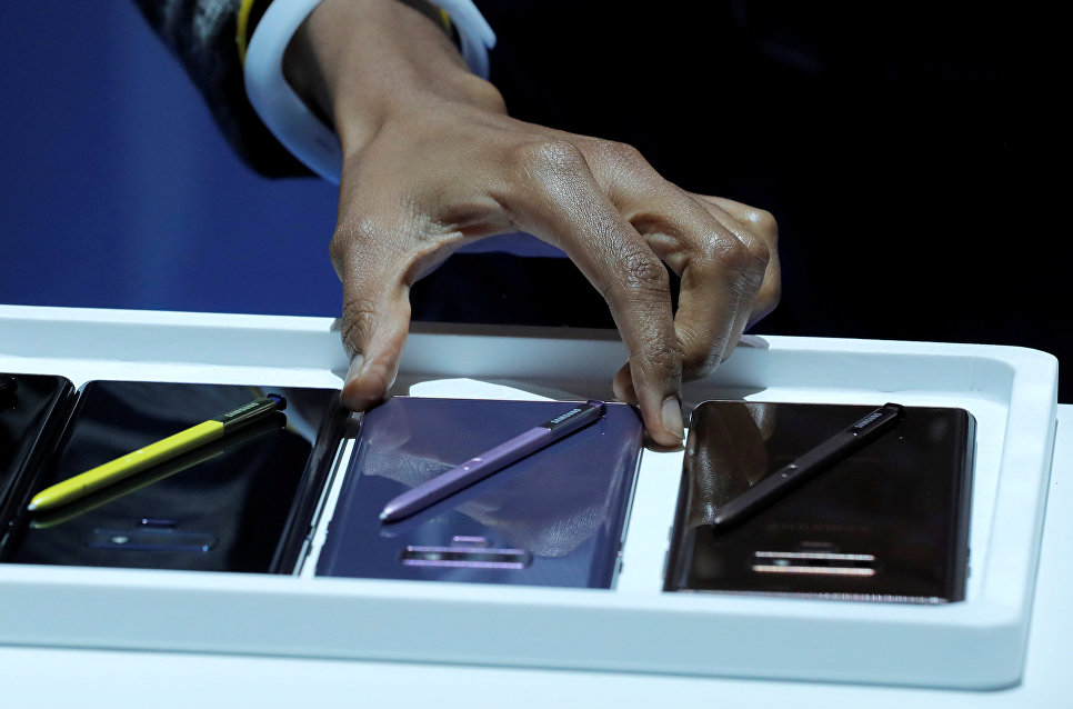 Новый телефон Galaxy Note 9 на презентации Galaxy Unpacked в Нью-Йорке