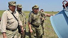 Александр Турчинов во время испытаний украинской крылатой ракеты