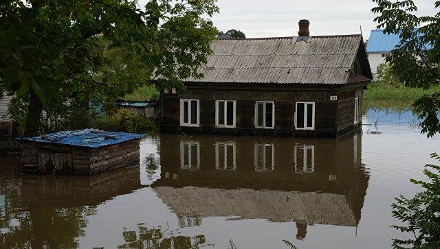 Здание, затопленное в результате паводка