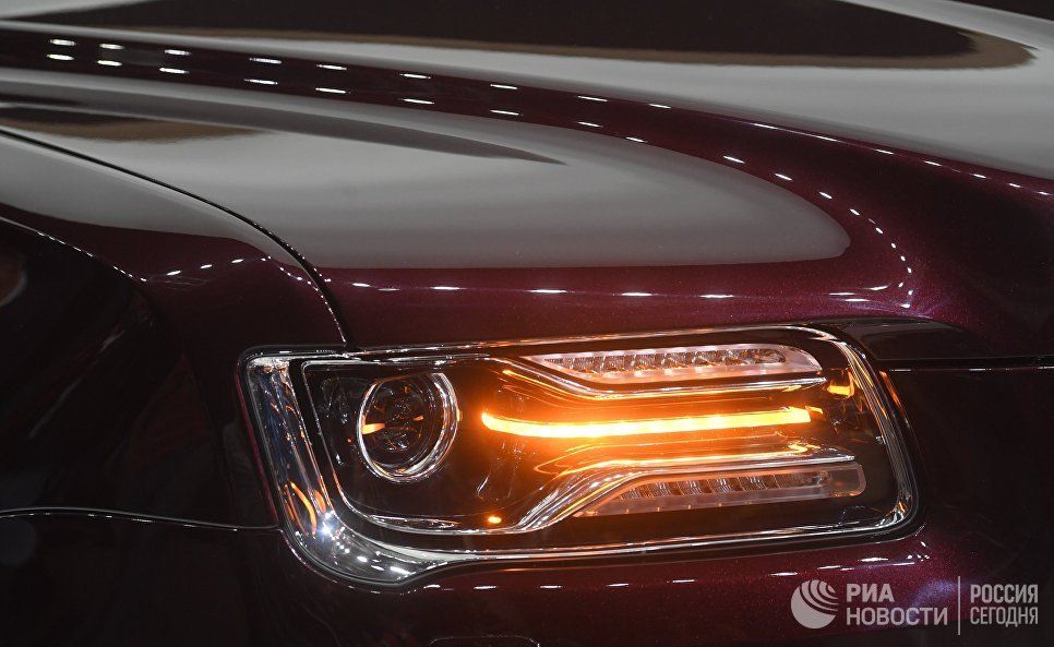Автомобиль Aurus Senat на Московском международном автомобильном салоне 2018