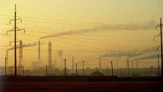 Трубы химического предприятия «Крымский Титан». Архивное фото