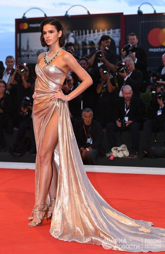 Актриса Бруна Маркезини на премьере фильма Братья Систерс (The Sisters Brothers) в рамках 75-го Венецианского международного кинофестиваля