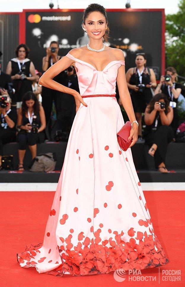 Актриса Патриция Контрерас на красной дорожке премьеры фильма Рома (Roma) в рамках 75-го Венецианского кинофестиваля