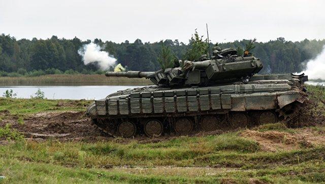Танк Т-82. Архивное фото