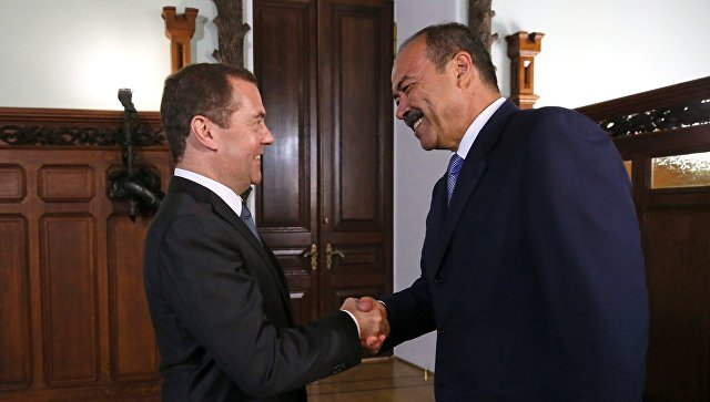 Дмитрий Медведев и премьер-министр Республики Узбекистан Абдулла Арипов во время встречи. 7 сентября 2018