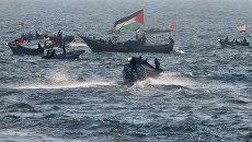 Палестинцы устроили акцию протеста на лодках у границы Израиля