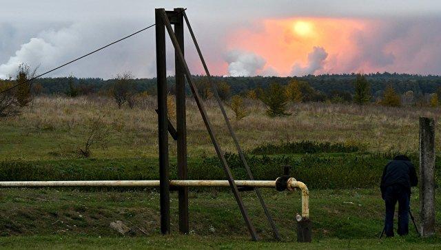 С горящих складов под Черниговом успели вывезти 56 тысяч тонн боеприпасов