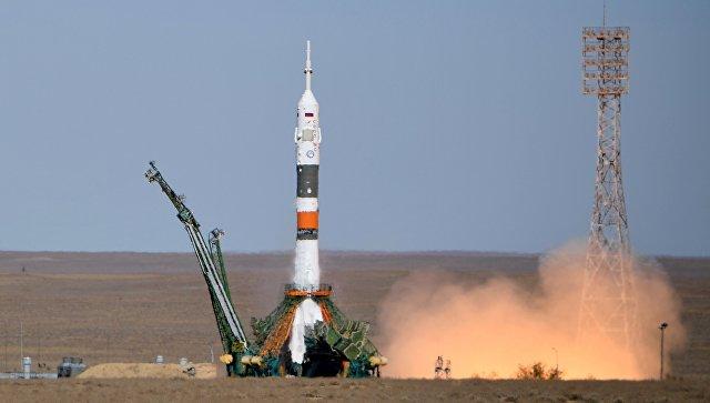 Старт ракеты-носителя Союз-ФГ с пилотируемым кораблем Союз МС-10. 11 октября 2018