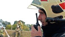 Сотрудник пожарной службы МЧС РФ во время командно-штабных учений