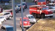 Сотрудники МЧС на месте пожара по улице Савченко в Петропавловске – Камчатском. 15 октября 2018