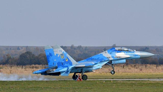 Украинский истребитель Су-27 во время учений Чистое небо - 2018. Архивное фото