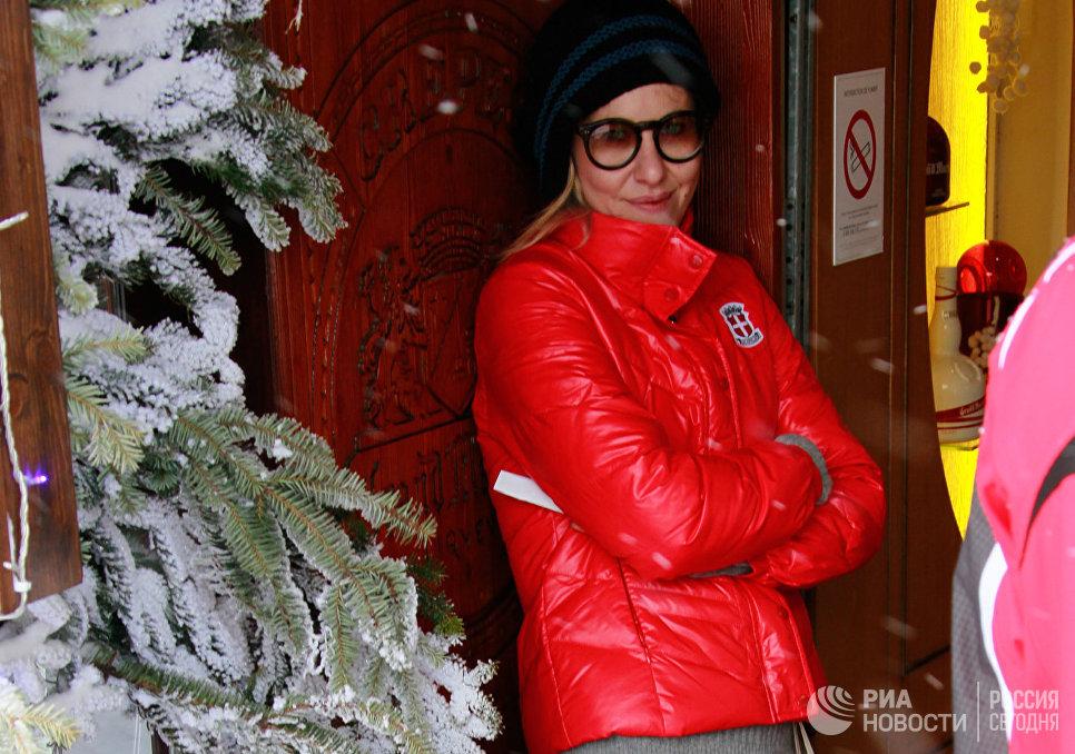Телеведущая Ксения Собчак на отдыхе на горнолыжном курорте Куршевель.