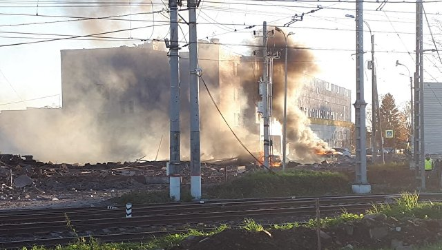 В Ленинградской области, где произошел взрыв на заводе, перекрыли движение