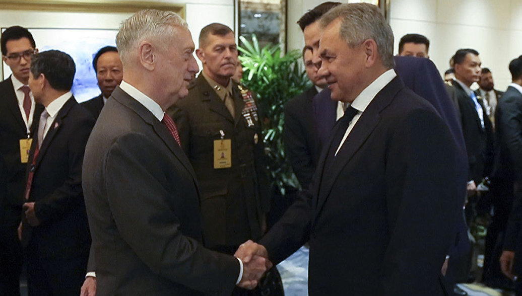 Министр обороны Шойгу впервые встретился с главой Пентагона Мэттисом