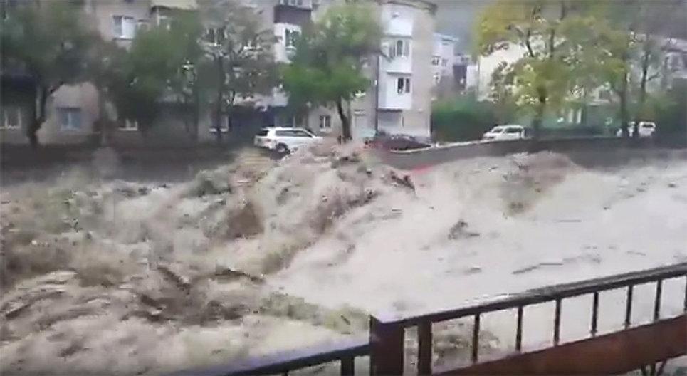 В Краснодарском крае из-за проливных дождей погибли два человека