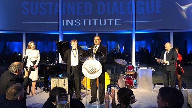 Игорь Бутман получил в Вашингтоне премию за диалог между Россией и США