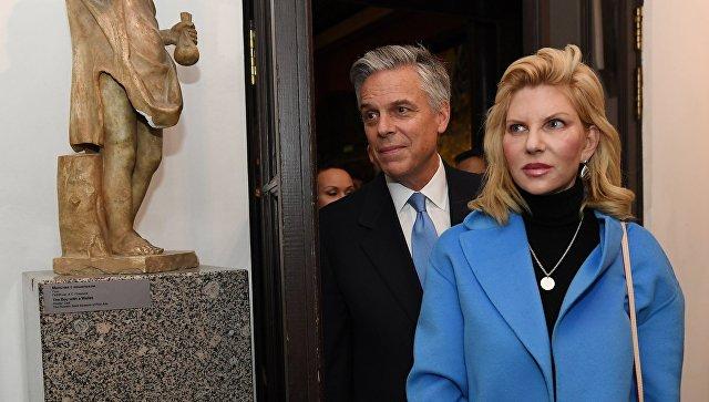 Посол США в РФ Джон Хантсман с супругой Мэри Кэй. Архивное фото