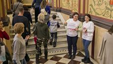 Диалоги об истории с переводом и без: волонтеры на Ночи искусств