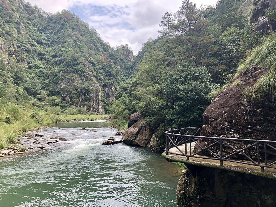 Туристическая тропа вдоль рек Наньси, пейзажный район Наньсицзян, Чжэцзян, Китай