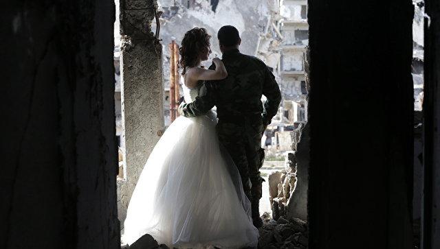 В сирийской Латакии состоялась массовая свадьба для 550 пар