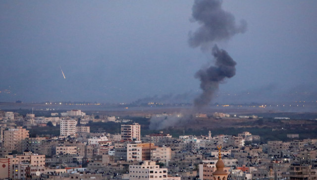 ВВС Израиля нанесли удары по пустому зданию бывшей гостиницы в Газе