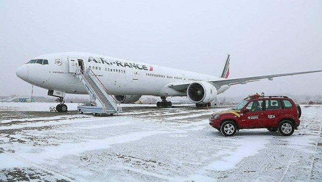 Пассажиры экстренно приземлившегося в Иркутске Boeing улетели в Шанхай