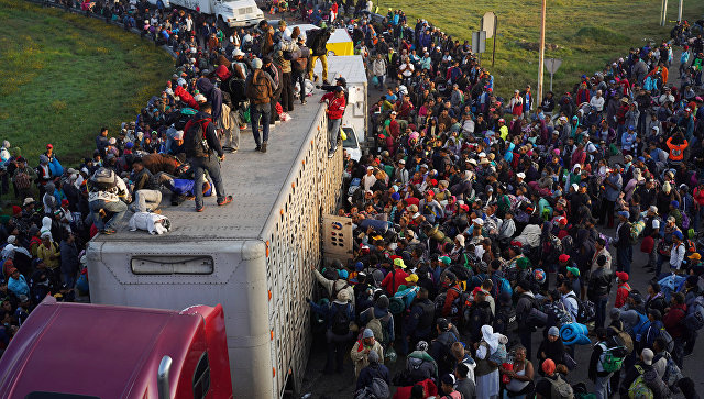 Караван мигрантов из Центральной Америки движется к США. Архивное фото