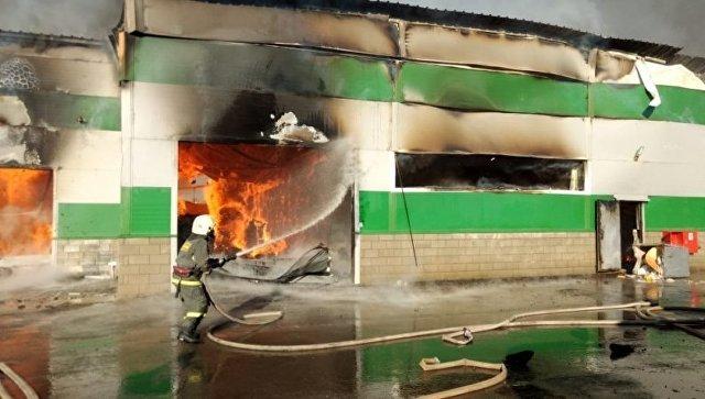 В Волгограде потушили пожар на складе с туалетной бумагой