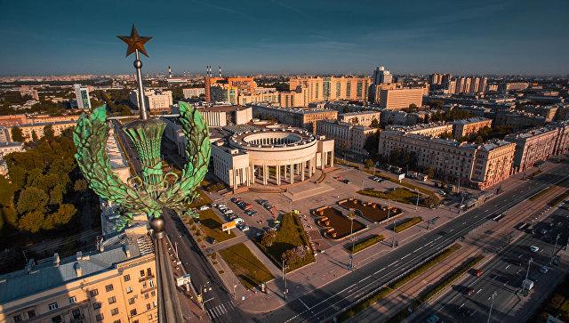 Вид на Российскую национальную библиотеку в Санкт-Петербурге. Архивное фото.