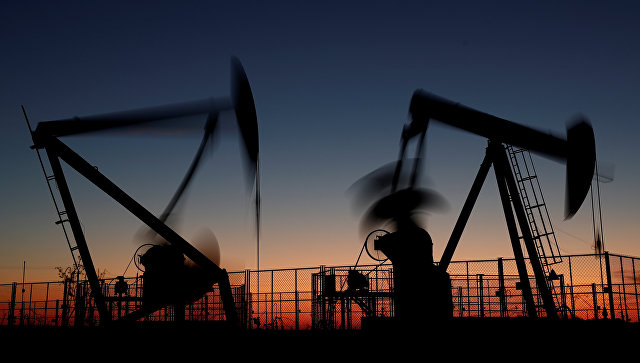 Цены на нефть марки Brent опустились ниже 59 долларов