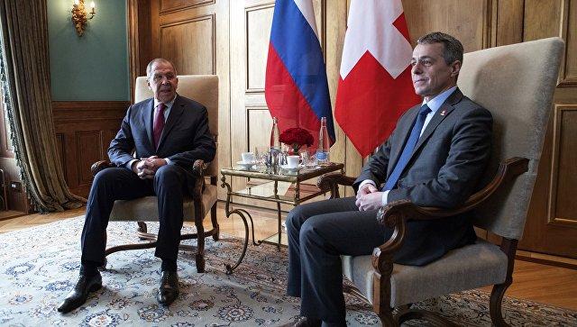 Глава МИД РФ Сергей Лавров и глава федерального департамента иностранных дел Швейцарской Конфедерации Игнацио Кассис во время встречи. 28 ноября 2018