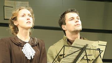 Сцена из спектакля Варшавская мелодия