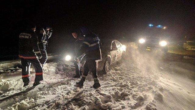 В Краснодарском крае из-за непогоды перекрыли ряд дорог