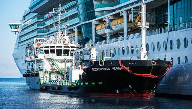 """""""Газпром нефть"""" выступила с инициативой в сфере бункеровки судов СПГ"""