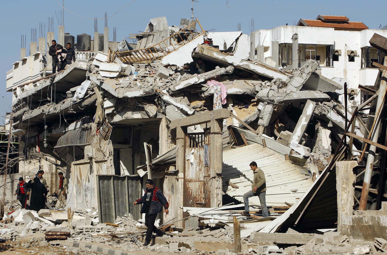 Последствия израильских бомбардировок в палестинском городе Рафах