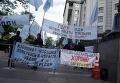 Бессрочный пикет крымских татар под кабмином Украины с требованием решения земельных проблем